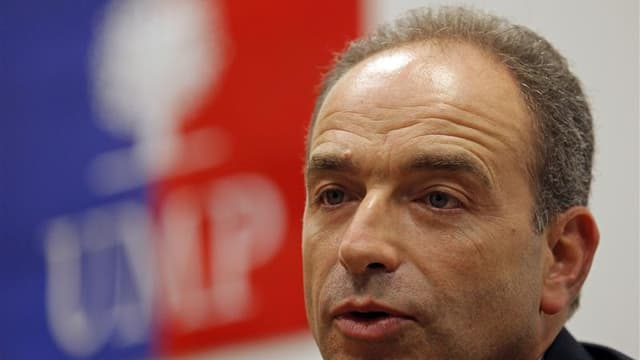 """A 48 ans, Jean-François Copé, un """"bébé Chirac"""" rompu aux cahots politiques, brigue la présidence de l'UMP avec pour ambition ultime de cravacher jusqu'à l'Elysée, son rêve d'enfance. En 2017 ou plus tard. /Photo prise le 22 octorbe 2012/REUTERS/Jean-Paul"""