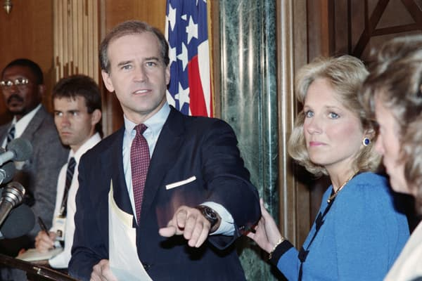 Joe Biden lors de l'annonce de sa candidature à la primaire démocrate en 1987.