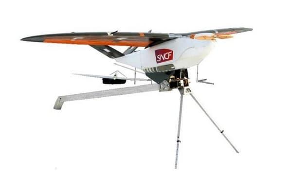 L'entreprise publique utilise plusieurs types de drones, dont le drone-avion à voilure fixe et à moteur électrique.