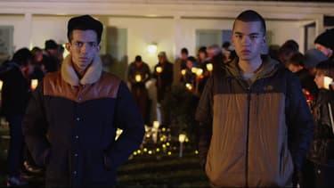 """Bigflo et Oli, dans le clip """"Monsieur Tout Le Monde""""."""