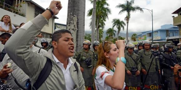 Le 25 février à Caracas, Capitale du Venezuela, des manifestants protestent contre la politique du président Nicolas Maduro.