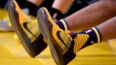 Nike, le supergéant du sport américain, est peut-être en train de connaître sa première panne de croissance en 7 ans.