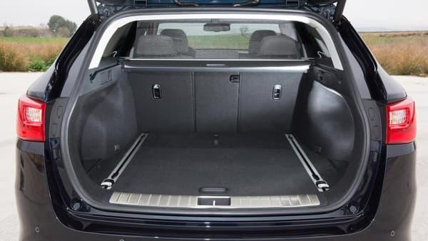 Le Sportwagon gagne 48 litres de volume par rapport à l'Optima standard.