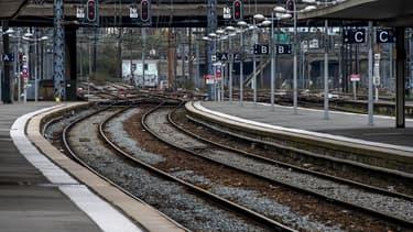 Au 14e jour de grève des agents SNCF, le taux de participation au mouvement a légèrement faibli. (image d'illustration)