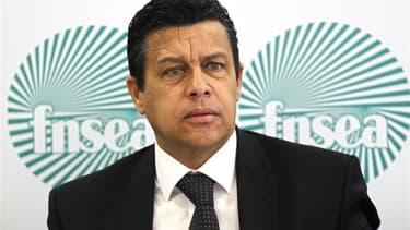 Xavier Beulin, le président de la puissante FNSEA, prévient que la relation entre agriculture et écologie sera au coeur du vote des agriculteurs français à l'élection présidentielle. Dans une interview à Reuters, il explique que les adhérents de la Fédéra