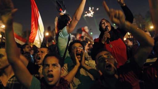 Les annonces de l'armée ont entraîné des scènes de liesse, dans les rues du Caire.