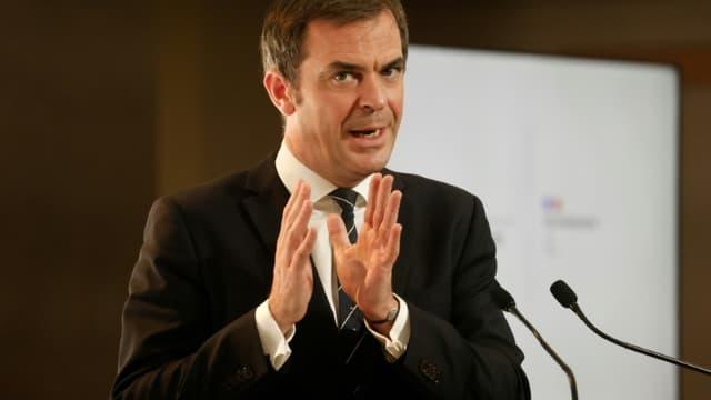 Le ministre de la Santé Olivier Véran le 26 novembre 2020 à Paris (photo d'illustration)