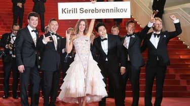 """L'équipe du film de """"Leto"""", réalisé par Kirill Serebrennikov, sur les marches du Festival de Cannes, le 9 mai 2018"""