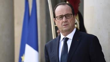 """Pour François Hollande, la lettre envoyée par Bruxelles est """"très banale"""""""