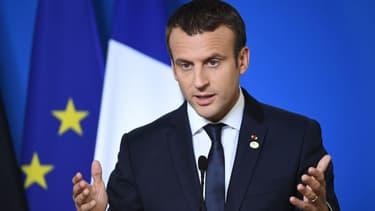 Emmanuel Macron va tenter de ne pas opposer bloc de l'Ouest et bloc de l'Est