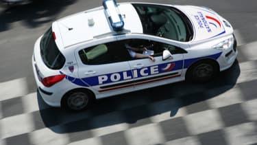 Véhicule de police. (illustration)