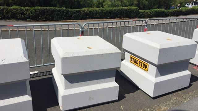 Pour stopper les véhicules béliers et sécuriser temporairement des périmètres de voirie, ces blocs de béton ont été conçus par une PME girondine.