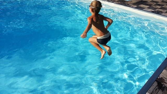 Les piscines doivent être équipées d'un dispositif de sécurité.