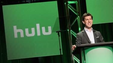 Hulu fait face à la diffusion de programmes TV payants sans publicité par certaines chaînes de télévision elles-mêmes (HBO, notamment).