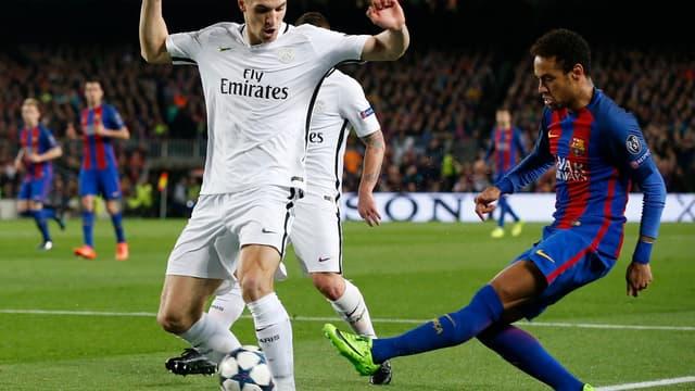 Meunier devant Neymar