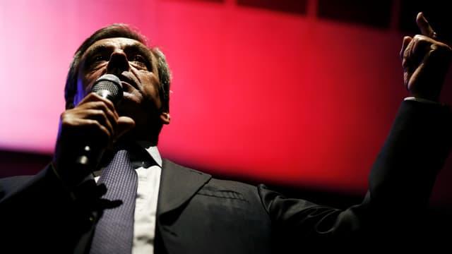 """La """"nouvelle"""" campagne de François Fillon prend des allures d'épreuve permanente."""