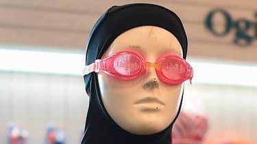 Un modèle de burkini sur un mannequin en août 2016.