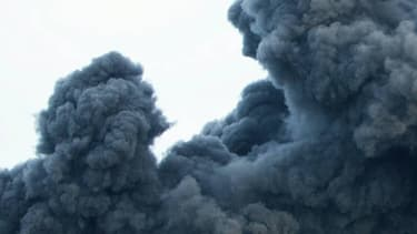 Le feu a été provoqué par l'explosion mercredi d'une citerne de combustible d'une capacité de 144.000 barils dans cette usine de Puerto Sandino