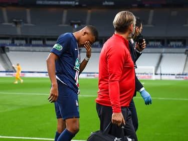 Kylian Mbappé blessé lors de PSG-Saint-Etienne