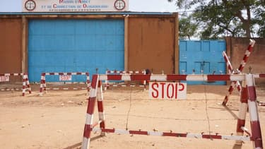 L'entrée de la prison centrale de Ouagadougou.