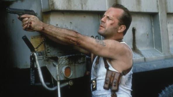 Bruce Willis dans le rôle de John McClane, héros de Die Hard.
