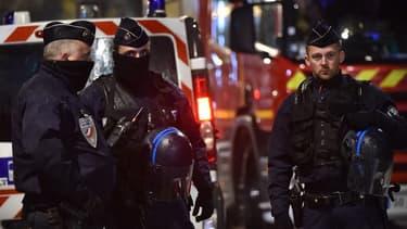 L'examen des téléphones mobiles des terroristes a permis de faire faire des avancées décisives à l'enquête sur les attentats de Paris.