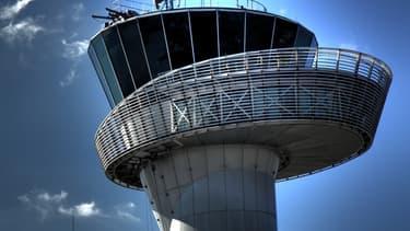 La tour de contrôle de l'aéroport de Bordeaux Mérignac.