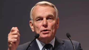 Jean-Marc Ayrault approuve le rapport Duron, qui préconise le report des projets de lignes à grande vitesse.