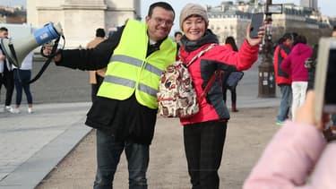 """C'est en Île-de-France que les nuitées hôtelières """"diminuent nettement""""pour les touristes étrangers """"probablement en lien avec le mouvement social des gilets jaunes"""", affirme l'Insee"""