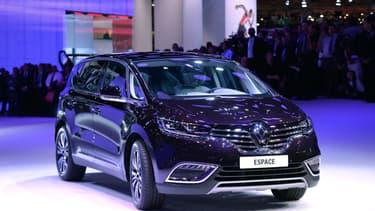 L'Espace 5 de Renault, ici au salon de l'Automobile de Paris en 2014, serait également mise en cause