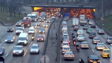 Une voie sur l'autoroute A1 devait être réservée aux taxis et bus.