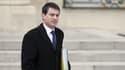 Manuel Valls à la sortie de l'Elysée, le 26 mars.