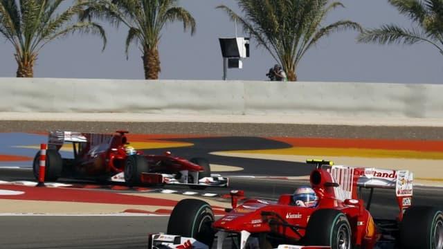 Les Ferrari d'Alonso et Massa