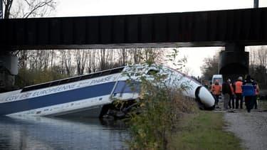 Le TGV d'essai a déraillé à une vitesse de 243 km/h alors qu'il circulait sur une portion limitée à 176 km/h.