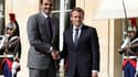 Le Président Emmanuel Macron et l'émir du Qatar Hamad al-Thani, le 15 septembre 2017 à l'Elysée à Paris.
