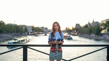 """Lily Collins dans """"Emily in Paris"""" sur Netflix"""