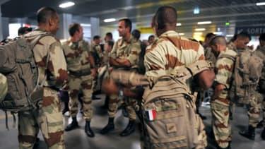 Les premiers soldats français revenant du Mali ont atterri à l'aéroport de Toulouse Blagnac jeudi.