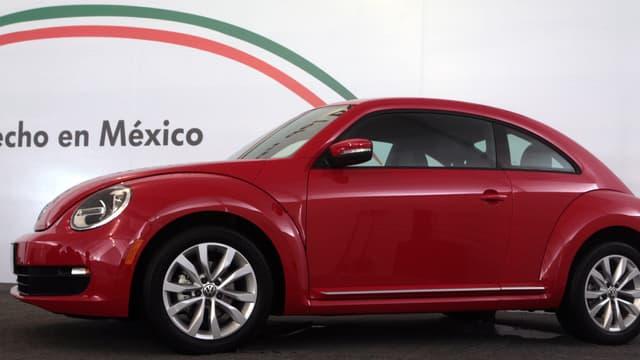 Les taxes douanières Trump sur les produits mexicains vont toucher en premier lieu les grands noms de l'automobile, comme Volkswagen qui y a construit sa Coccinelle pendant plus de 60 ans.