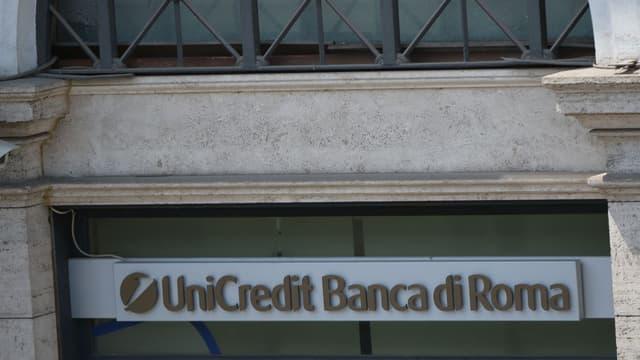 Unicredit envisagerait une sévère cure d'aimaigrissement