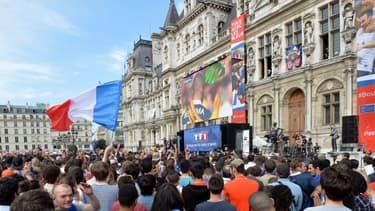 Pour la Coupe du Monde 2014, un écran géant avait été installé devant l'Hôtel de Ville de Paris pour la demi-finale France-Allemagne