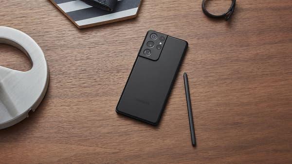 Le Samsung Galaxy S21 Ultra, compatible avec le stylet S Pen