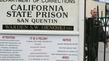 Un panneau à l'entrée de la prison de San Quentin, en Californie.