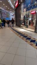 Nantes: des clients enfermés dans les magasins lors d'une manifestation dans la galerie Atlantis - Témoins BFMTV
