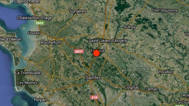 L'épicentre est situé entre Saintes et Rochefort.