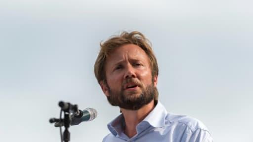 """Le porte-parole du groupe Nouvelle Gauche (PS) à l'Assemblée, Boris Vallaud, lors d'un discours à """"La fête de la Rose"""", le 27 août 2017 à Frangy-en-Bresse"""