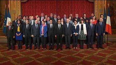 Quand Vallaud-Belkacem veut prendre la place de Hollande sur la photo de famille