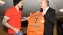 Ferry remet un maillot de Lorient à Beckham