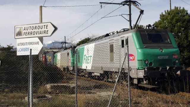 L'autoroute ferroviaire va coûter 310 millions d'euros de plus.