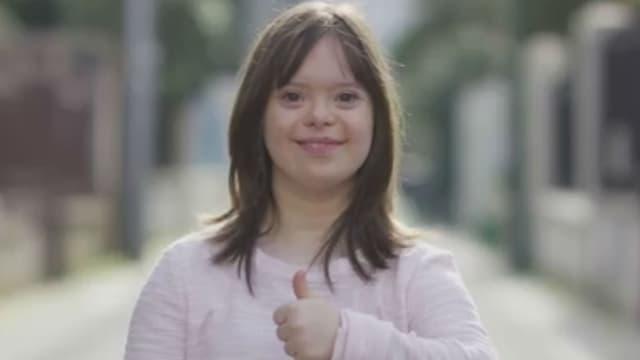 Atteinte de trisomie 21, Mélanie s'était lancée comme défi de présenter la météo à la télévision.