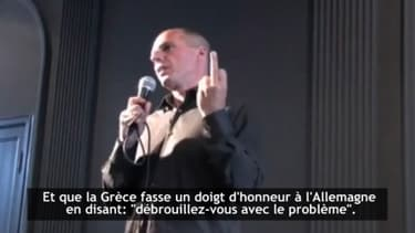 Dans cette vidéo, le ministre grec des Finances évoque bien un doigt d'honneur à l'Allemagne, mais n'en a jamais fait le geste.